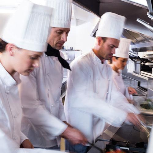 Köche bei der Arbeit