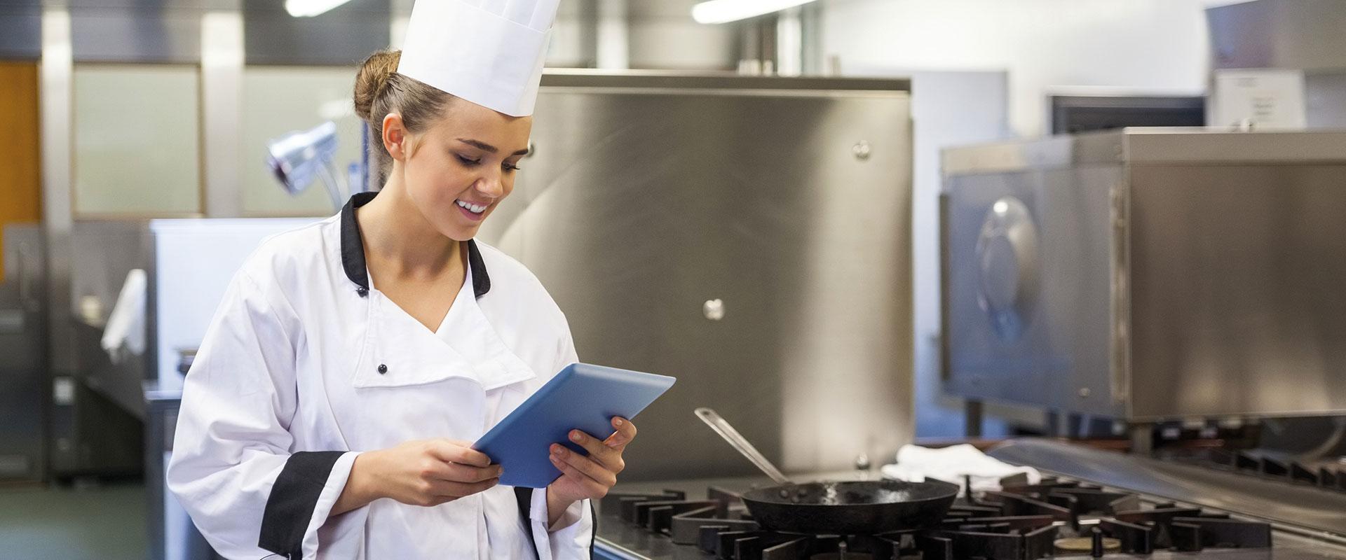 Mitarbeiter/innen zur Unterstützung in der Küche gesucht.